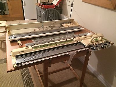 Brother KH 881 Domestic Knitting Machine With Ribber And Intarsia Carriage