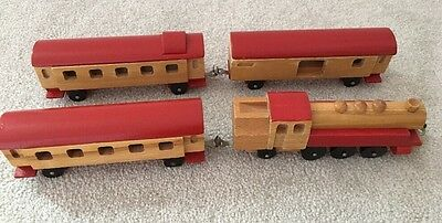 VINTAGE 4 PIECE WOODEN TRAIN TOY SET Pulls Lovely