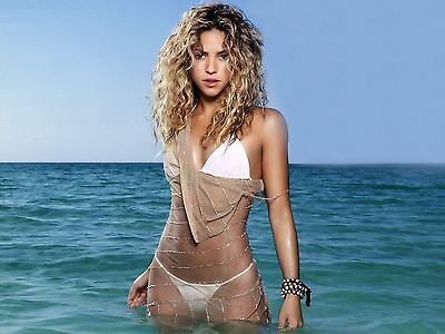Shakira Unsigned 8x10 Photo (32)
