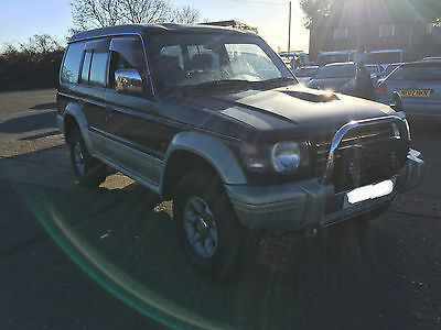FOR BREAKING 1995 Mitsubishi Pajero 2.8 Diesel Automatic Blue / Silver 4M40T
