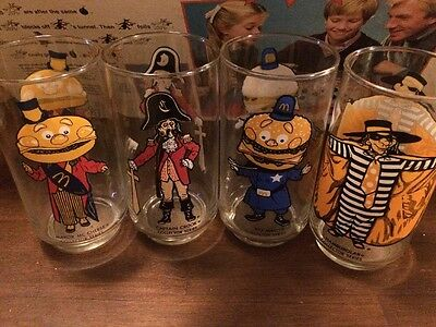"""VINTAGE 1970s MCDONALDS """"COLLECTOR SERIES"""" DRINKING GLASSES   set of 4"""