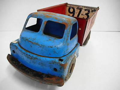 Vintage Wyn Toy Sand And Gravel Tip Truck ...