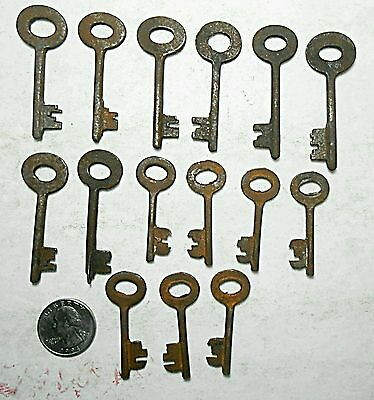15 Ornate Lot of Replica Skeleton Barrel Keys Vintage Antique Collectible Crafts