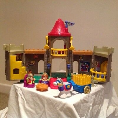 Fisher Price - Little People Lil' Kingdom Castle - Excellent condition
