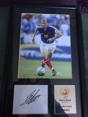 Zinedine Zidane Signature And Photo In Frame With Certificate