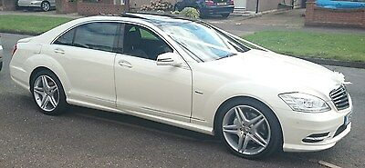 Weddings, Proms & Special Occasion White S-Class for Chauffeur Driven Hire