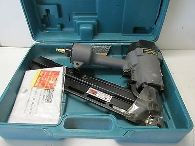 Central Pneumatic Contractor Series 28 Degree Clipped Head Air Framing Nailer