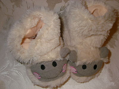 size EU 22 LAMB BOOTEE SLIPPERS  CHILDS SIZE 5