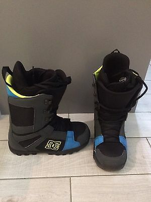DC snowboard Snowboarding boots Size 7