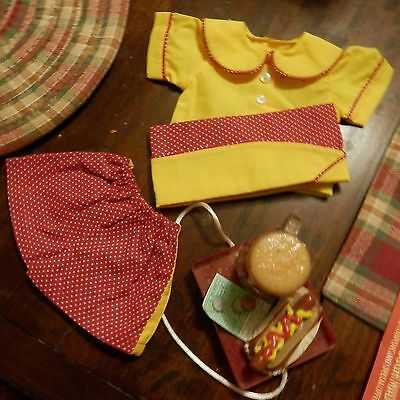 Lee Middleton 4 Piece Outfit For Polly At Lee's Drive Inn Car Hop With Tray & Fa
