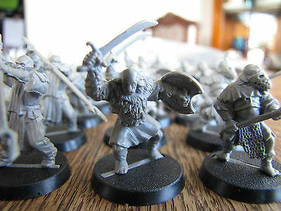 Collectable miniatures Lord of the Rings Hobbit LOTR Mordor Orcs 22 pieces