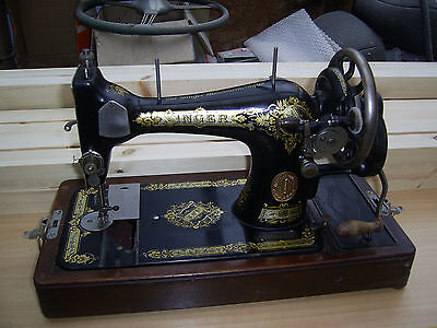 Vintage Singer Sewing Machine 28K  1939