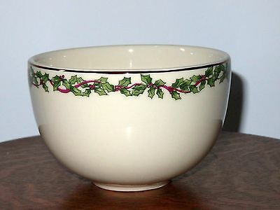 Henn Pottery Hollyware Holly Ware Ice Cream Bowl Serving Dish Christmas Mint