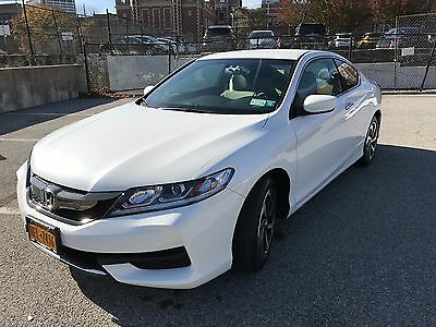 2016 Honda Accord Coupe LX-S Almost New 2016 Honda Accord Coupe LX-S, Auto.Trans. White/Beige. Outstanding!