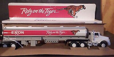 Exxon Toy Tanker 1993 Truck Collector Series-