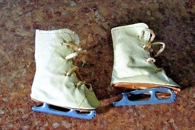 pair of vintage doll ice skates for 18 in doll 3 in long