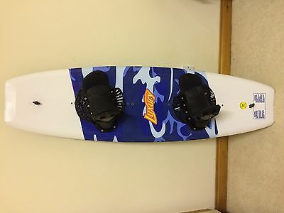 Neptune Luxury 140cm Wakeboard with Bindings
