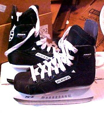 Bauer Comp  Youth Size 12 Ice Hockey Skates #a22