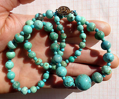 Vintage and fine necklace made with Chinese turquoise beads