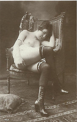 French postcard ----comfortable chair