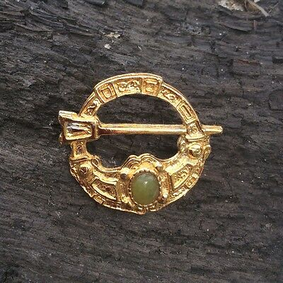 Vintage Tara Brooch pin. Gold plated Irish jewellery gift. Connemara marble gems