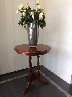 Lovely Vintage Antique Style Occassional Table Side Table