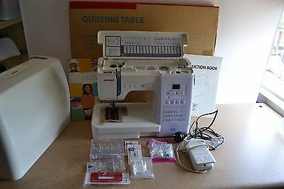 Janome Quilter's Companion 6260 Sewing Machine+ Quilting Table