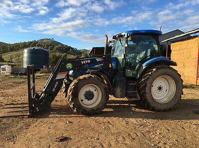 2006 New Holland TS135A Tractor