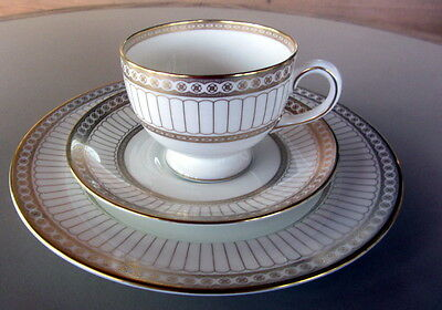 5 Wedgwood Colonnade Gold And White #4339 Cup Saucer And Desert Plate-Excellent
