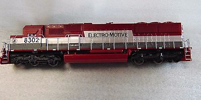 Life-Like  Road #8320 - Locomotive - Electro Motive HO