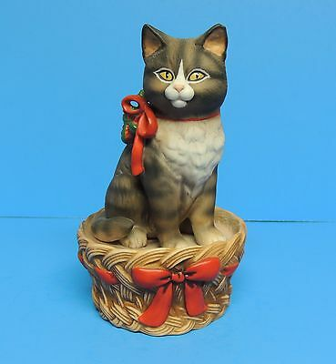 Schmid Gordon Fraser Kitty Cat Kitten Christmas Holiday Music Box 1983