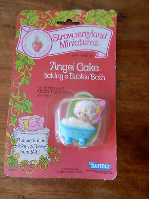 "Vintage Strawberry Shortcake PVC Figurie ""Angel cake in Bath"" 2"" MOC"