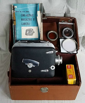 8mm movie camera KODAK vintage wind up. Works well. Accessories and leather case