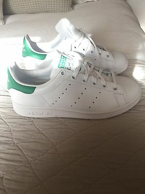 Womens Addidas Stan Smith shoes