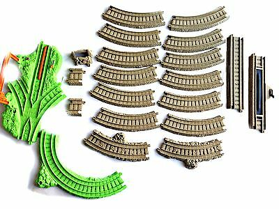Thomas The Tank Engine TRAIN TRACK by Mattel - 21 Pieces