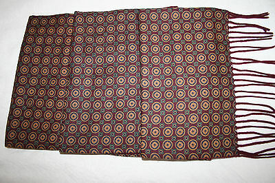 Beautiful Quality Vintage Gents Classic Scarf.