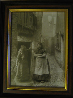 "Frank Meadow Sutcliffe Framed Print ""Women in  New Way Ghaut Whitby"""