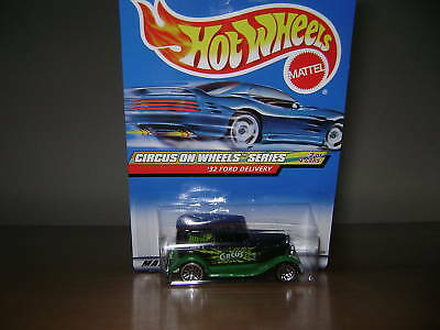 Hot Wheels 2000 Circus On Wheels  '32 Ford Delivery #2/4 On Card #026