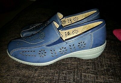 Ladies shoes size 6 blue genuine leather new no box