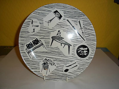 """Vintage Ridgway 8"""" homemaker pattern pottery plate in used condition."""