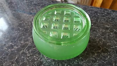 Art Deco Davidson Green Part Frosted Bowl with Flower Grid Pattern 10/1910
