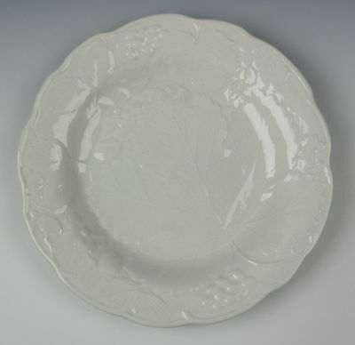 Burgess & Leigh China STRAWBERRY AND GRAPE LEAF WHITE Salad Plate VERY GOOD