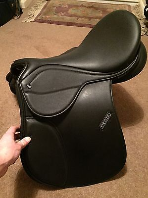 "Kincade Redi Ride Quick Switch All Purpose Saddle - 16"" Medium - used once"