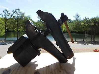 Antique / Vintage Cole #11 Vise With Swiveling Anvil Tool Carpentry Blacksmith