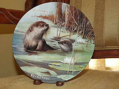 1988 Knowles The Otter by Kevin Daniel Friends Of The Forest 6th 8 1/2 in