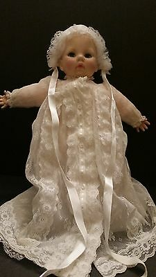 Madame Alexander Baby Victoria Christening dress crier 1975