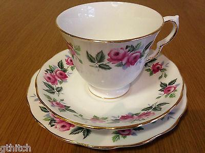 QUEEN ANNE 8243 TRIO Pink Roses FINE BONE CHINA Made in England