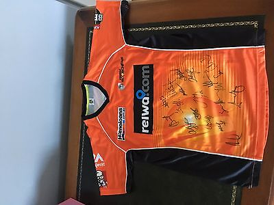 Perth Scorchers 2016 Jersey/ Signed by whole team