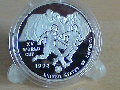 Silver coin 999 Uganda 1994 'World Cup in USA 1994 Player before Mount Rushmoore