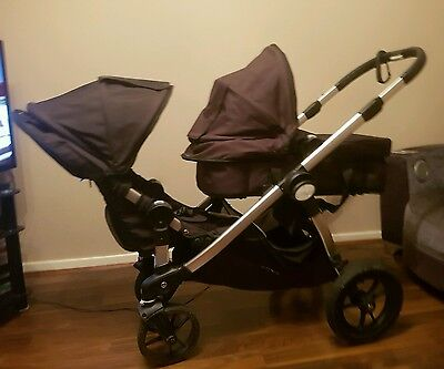 Baby Jogger City Select Onyx 2 seats and a bassinet